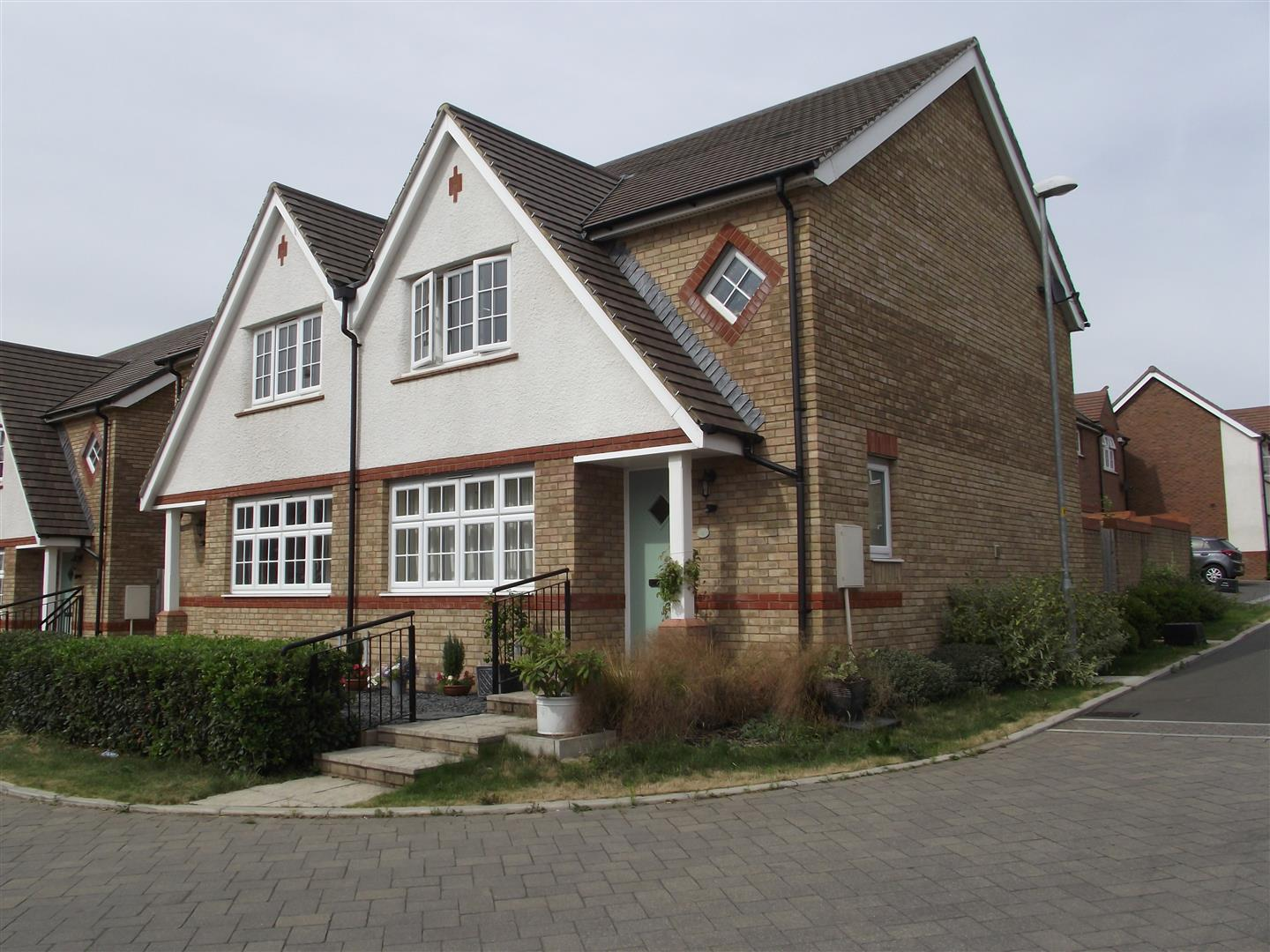 3 Bedrooms Semi Detached House for sale in York Road, Calne